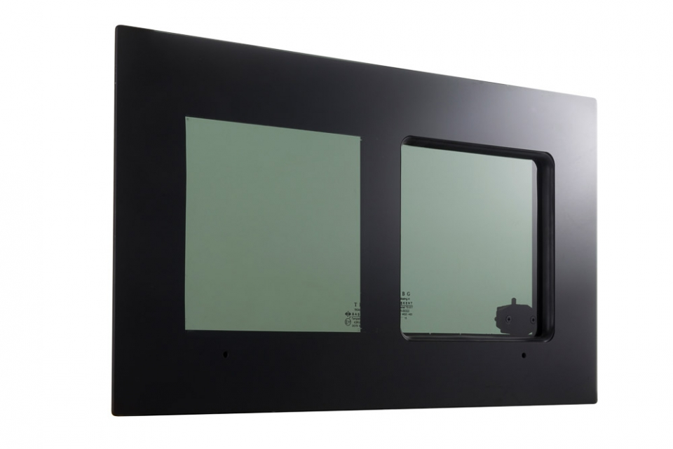 'Blackline' Glas-in-Glas Fenster